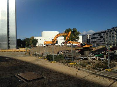 Schauspielhaus Düsseldorf mit Bagger