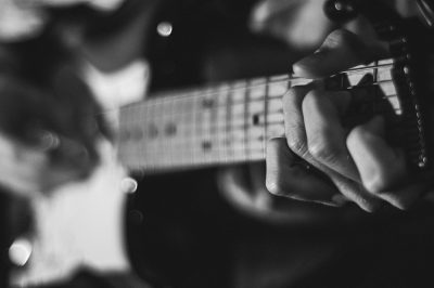 Gitarre by Austin Prock @prock https://unsplash.com/