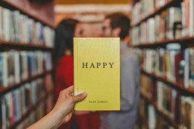 Bücher Happy groß