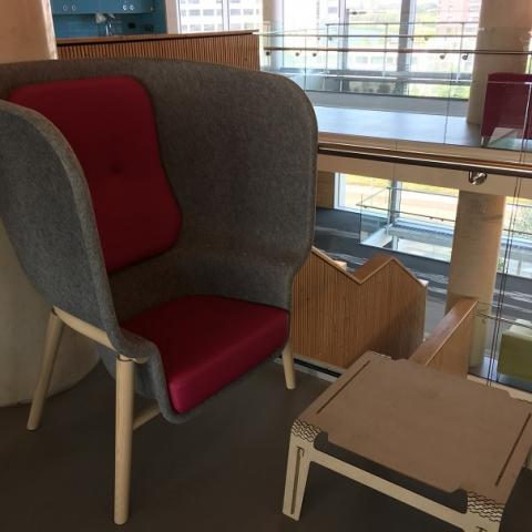 ein Sessel als flexibler Arbeitsplatz